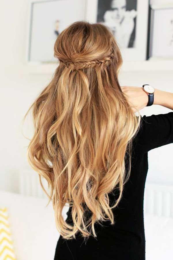 Dalgalı Saç Modelleri Kadın