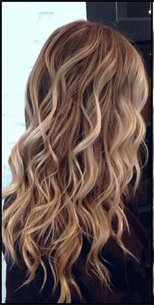 Dalgalı Uzun Saç