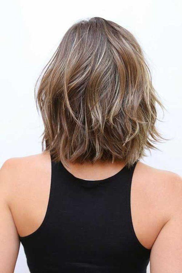 Kısa Katlı Küt Saç Modelleri