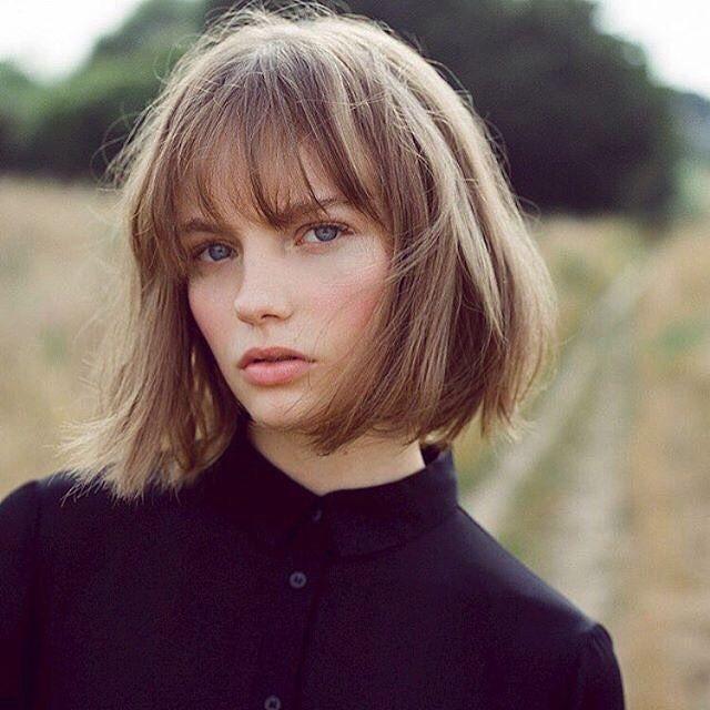 Kısa Ve Kahküllü Saç Modelleri