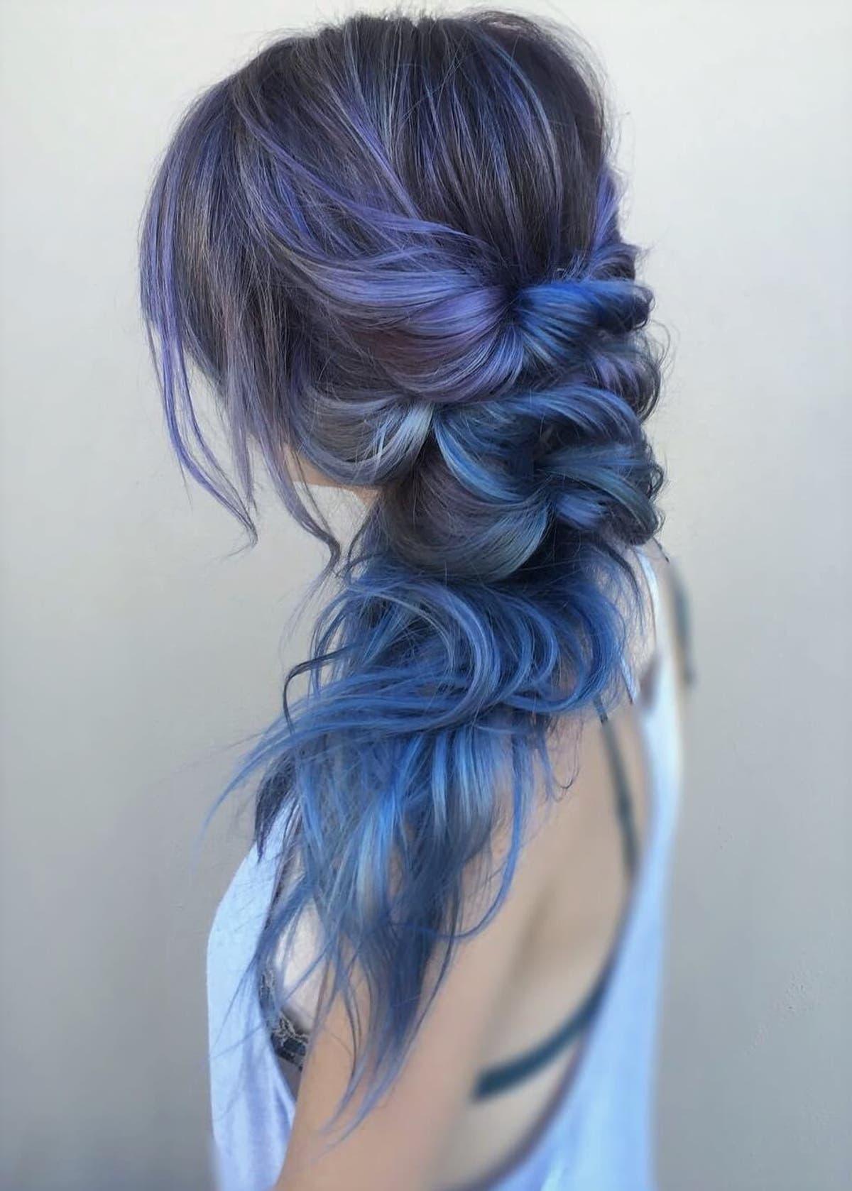Mavi Saç Modelleri
