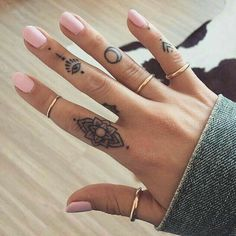 Parmağa Yapılan Dövme Modelleri