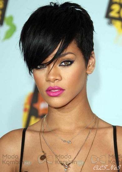Rihanna Kısa Saç
